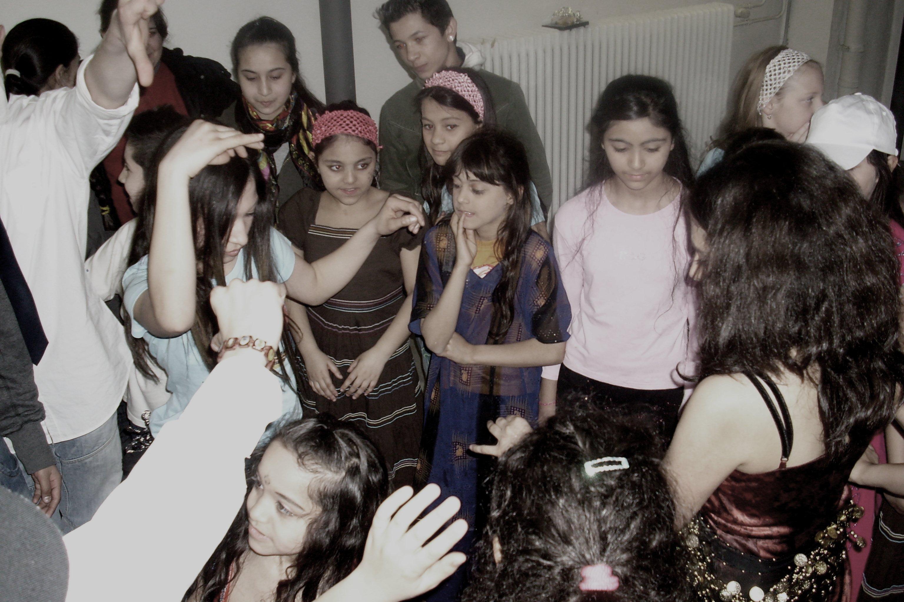Wettkampf Mädchen gegen Jungen